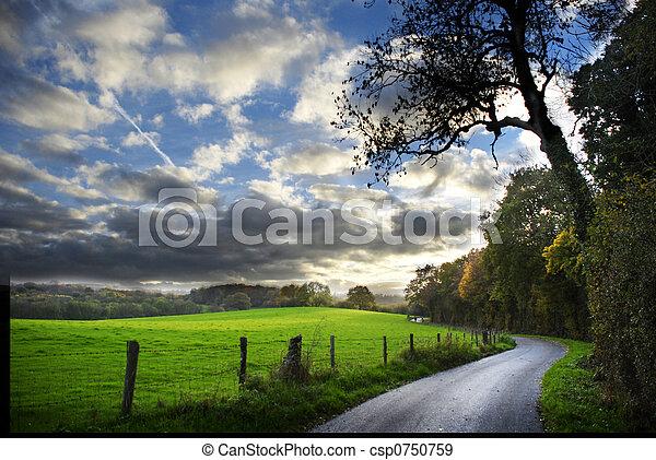가을, 시골길 - csp0750759