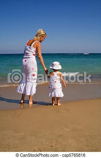 거의, 여자, 바닷가, 걷기, 소녀 - csp0765816