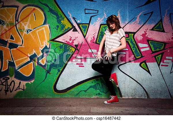 댄스 자세, 향하여, 벽, 낙서, 유행, 소녀 - csp16487442