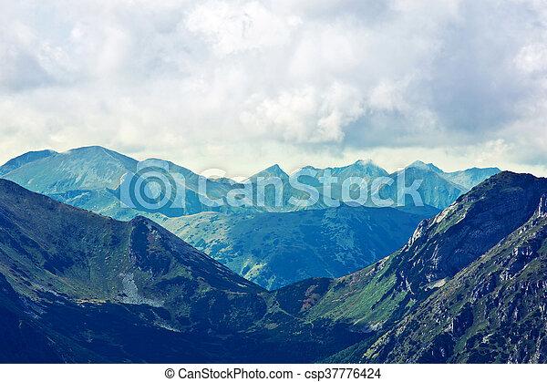산, 조경술을 써서 녹화하다, 자연 - csp37776424