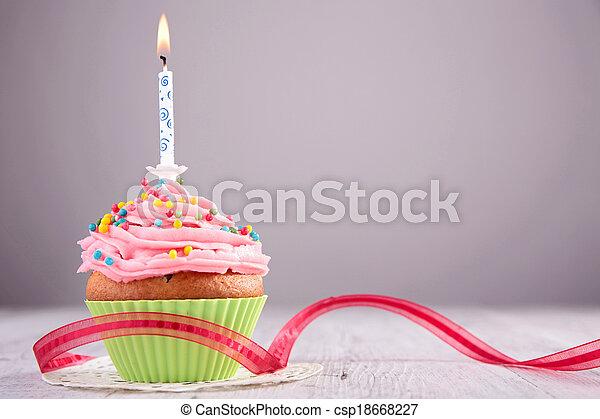 생일, 컵케이크 - csp18668227