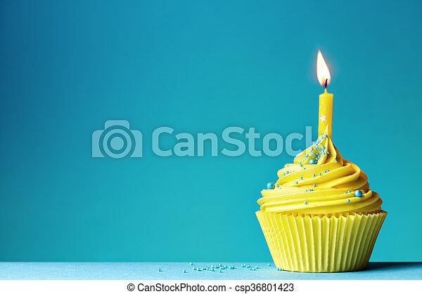 생일, 컵케이크 - csp36801423