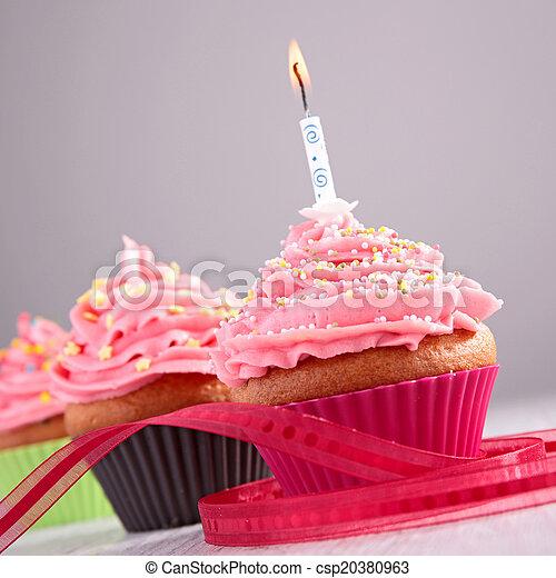 생일, 컵케이크 - csp20380963