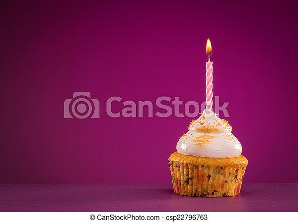생일, 컵케이크 - csp22796763