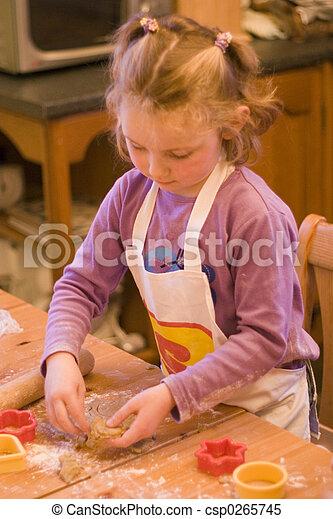 소녀, 빵 굽기, 나이 적은 편의 - csp0265745