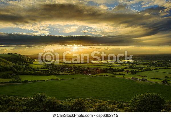 시골, 기절시키는, 일몰, 위의, 조경술을 써서 녹화하다 - csp6382715