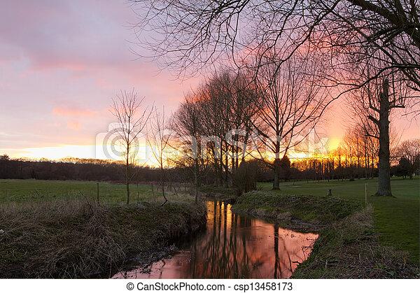 시골, 흐르는 것, 장면, 일몰, 영어, 완전히, 강 - csp13458173