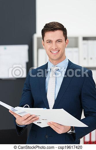 실업가, 파일, 나이 적은 편의, 보유, 유행 - csp19617420