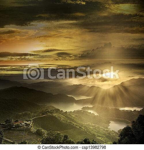 아름다운, 산 풍경, 일몰 - csp13982798