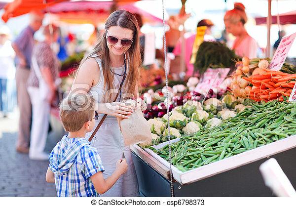 어머니, 시장, 아들 - csp6798373