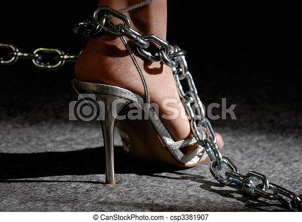 여자, 구두, 높은, 성적 매력이 있는, 다리, 쇠사슬, 발꿈치로 바닥을 구르다 - csp3381907