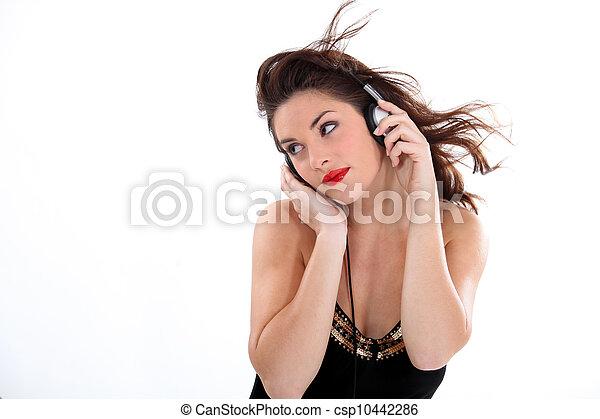 여자, 듣는음악 - csp10442286
