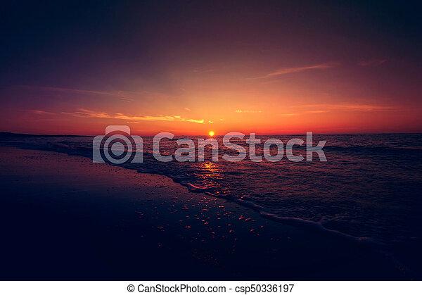 위의, 일몰, sea. - csp50336197