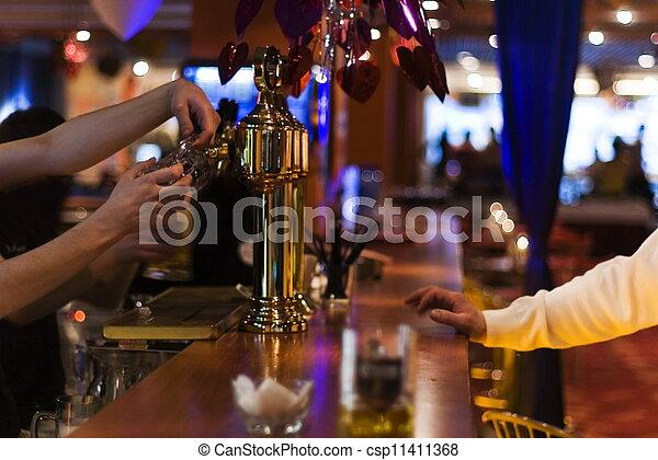 유행, 맥주, 막대기, 밤 - csp11411368