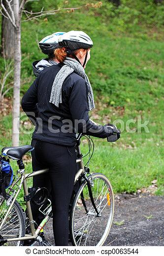 자전거 타는 사람, 한 쌍 - csp0063544