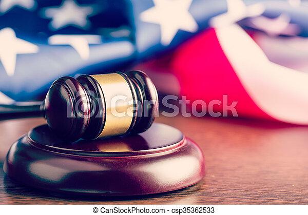 작은 망치, 재판관, 기, 배경, 미국 - csp35362533