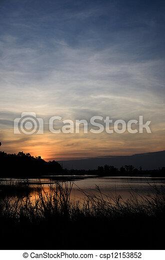 저녁, 하늘, 강 - csp12153852