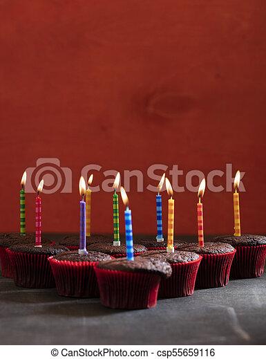 초콜릿 과자, 생일, 컵케이크 - csp55659116