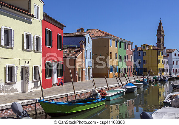 Isla de Burano, Venecia, Italia - csp41163368