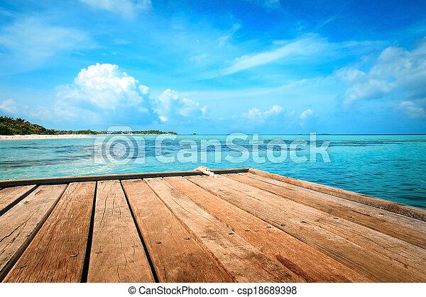 Jetty, playa y selva, fondo de vacaciones - csp18689398