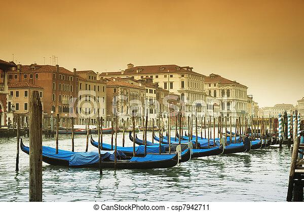 Gran canal, Venecia, Italia - csp7942711