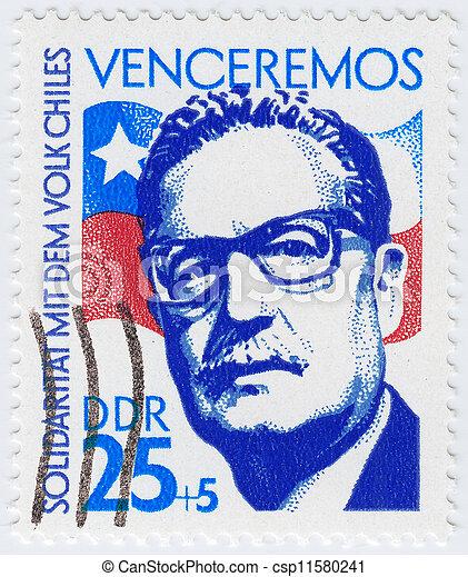 CIRCA 1983: sello impreso en Alemania mostrando Salvador Allende 29o Presidente de Chile, cerca de 1983 - csp11580241