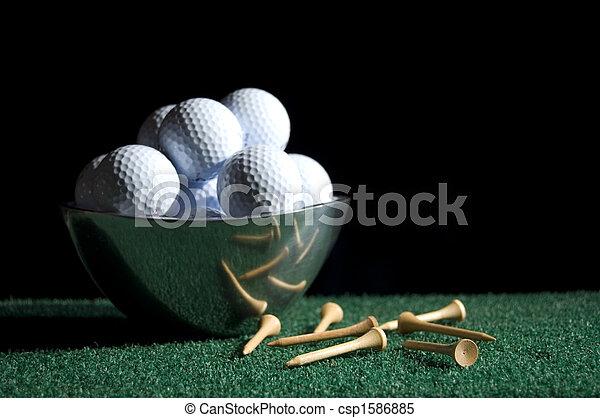 Bola de golf y tee con tazón 2 - csp1586885
