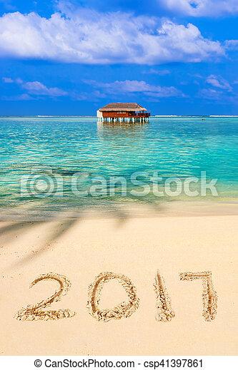 Números 2017 en la playa - csp41397861
