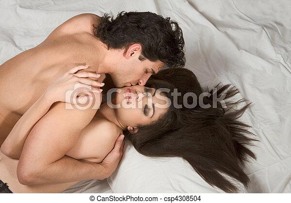 20s atrasado, homens, 30s, meio, jovem, cedo, mulher hispânica, adulto, caucasiano - csp4308504