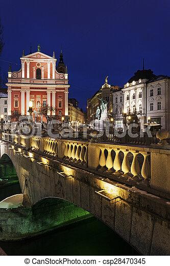 3倍になりなさい, 橋, 教会, franciscan - csp28470345