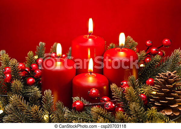 4th Advent red candle flower arrangement  - csp20703118