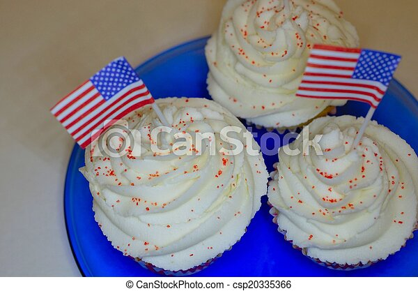 4th of July  Cupcakes - csp20335366