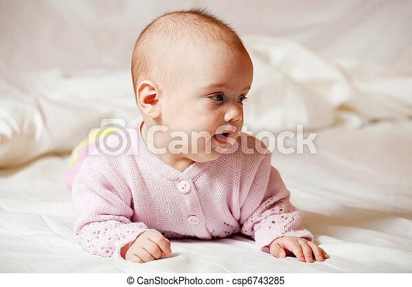 5 months baby girl - csp6743285