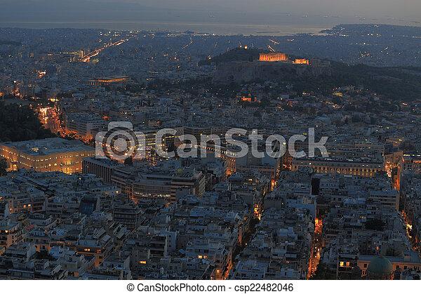 Vista aérea de Cityscape por la noche, Atenas Grecia - csp22482046