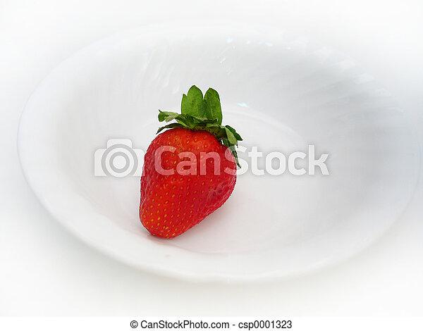 A single strawberry - csp0001323