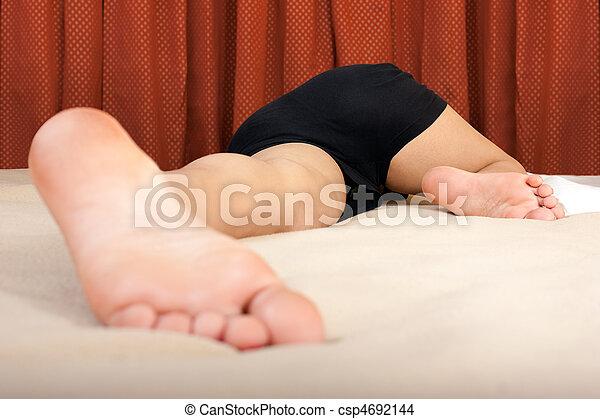young sleeping girl pics