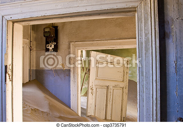 abandonado, casa - csp3735791
