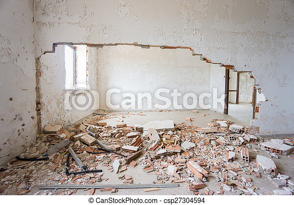 Abandoned and ruined house. - csp27304594