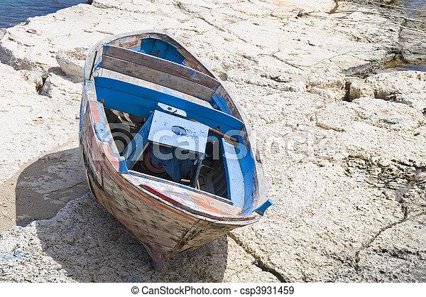 Abandoned boat. - csp3931459