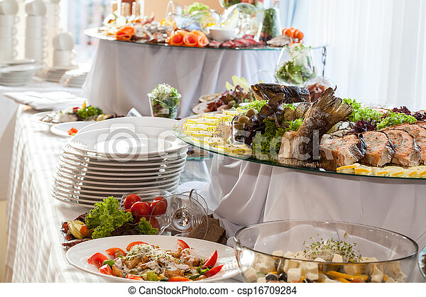 Catering en la recepción de la boda - csp16709284