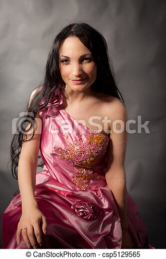 Abendkleid - csp5129565