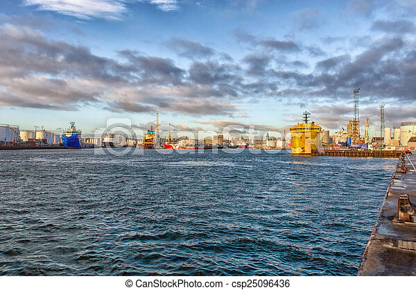 Aberdeen Harbour - csp25096436