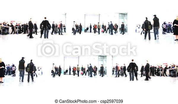 Blanco abstracto. Gente en el pasillo - csp2597039