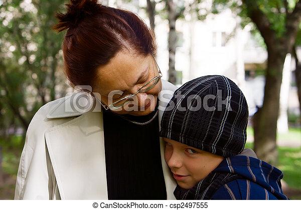 Chico tímido y su abuela - csp2497555