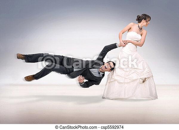 abusare, sposa, sposo - csp5592974