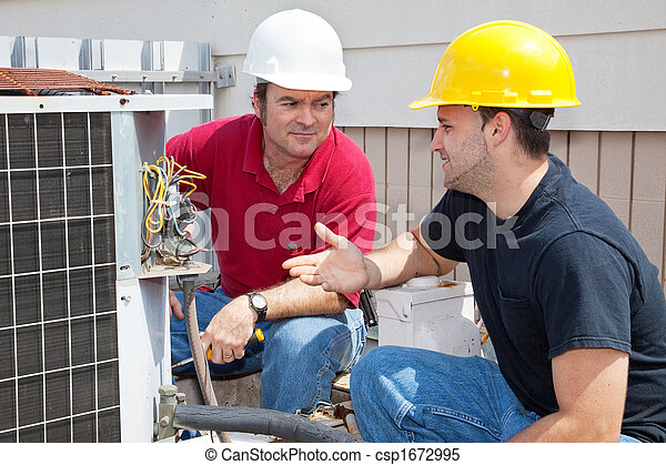 AC Technicians Discuss Problem - csp1672995