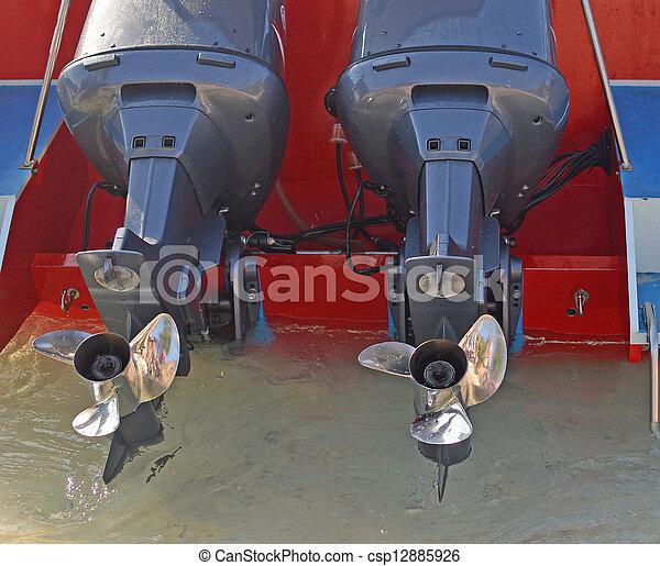 accélérez bateau - csp12885926