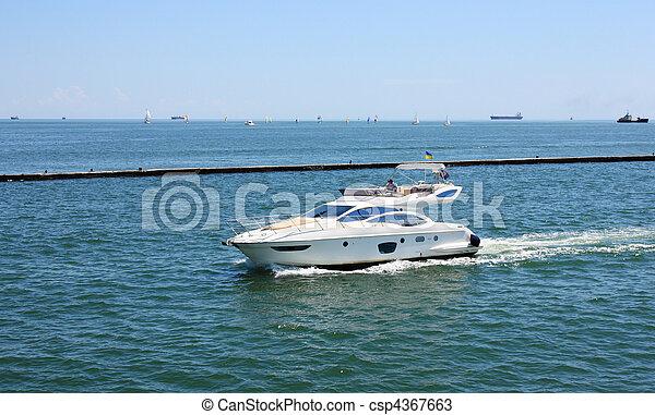 accélérez bateau - csp4367663