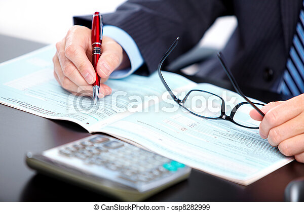 Accountant businessman. - csp8282999