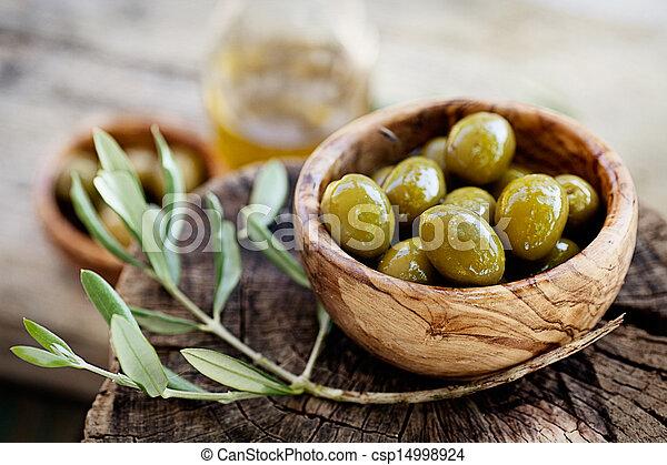 Aceitunas frescas - csp14998924